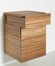 Hangend kastje met lade en deur